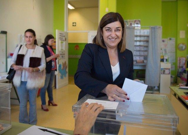 """28A.- Buruaga Pide A Los Cántabros Que Voten """"Con La Cabeza Y El Corazón"""""""