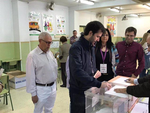 """28A.- Sánchez Serna (Podemos) Anima A Votar A La Población En Un Día Que Tienen """"Más Poder Que Los Poderes A La Sombra"""""""