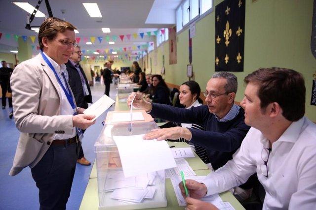 """28A.- Almeida Remarca La Importancia De """"Acudir A Votar"""" Para Que Sean Los Españoles Quienes Decidan Su Propio """"Destino"""""""