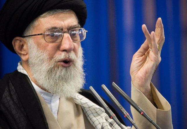 """Irán.-Jamenei tilda de """"chiste triste"""" el mecanismo de la UE para facilitar comercio con Irán ante las sanciones de EEUU"""