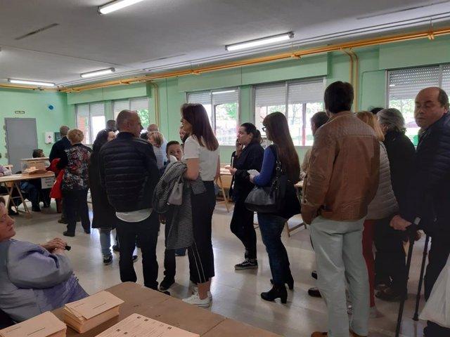 28A.-La Participación En Asturias Supera El 40% A Las 14.00 Horas, 5,5 Puntos Más Que En 2016
