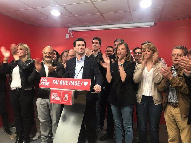 """AV.- 28A.- G. Caballero celebra la victoria del PSOE en Galicia, que marca """"un nuevo tiempo"""" y """"una derrota a Feijóo"""""""