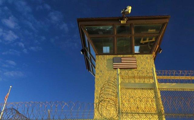 Torre de vigilancia de la base de Guantánamo