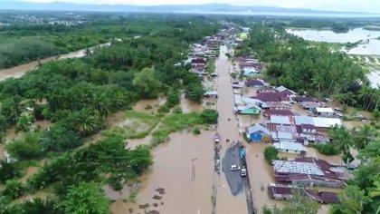 Al menos 29 muertos por las inundaciones y deslizamientos de tierra en Indonesia