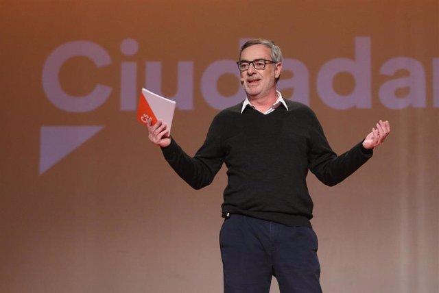 El vicepresidente de la Junta de Andalucía, Juan Marín, participa en un encuentro ciudadano
