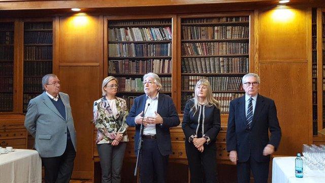 Al centre, el president de Foment del Treball, Josep Sánchez Llibre