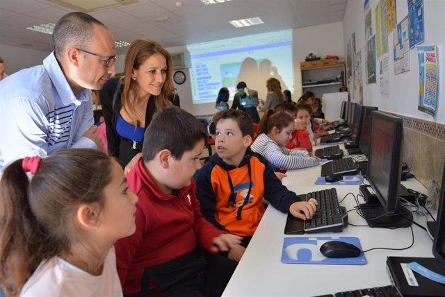 Granada.- La Junta resalta la labor social de la Red Guadalinfo en el campo de las nuevas tecnologías