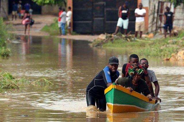 Mozambique.- Aumentan a 38 los muertos por el paso del ciclón 'Kenneth' por Mozambique