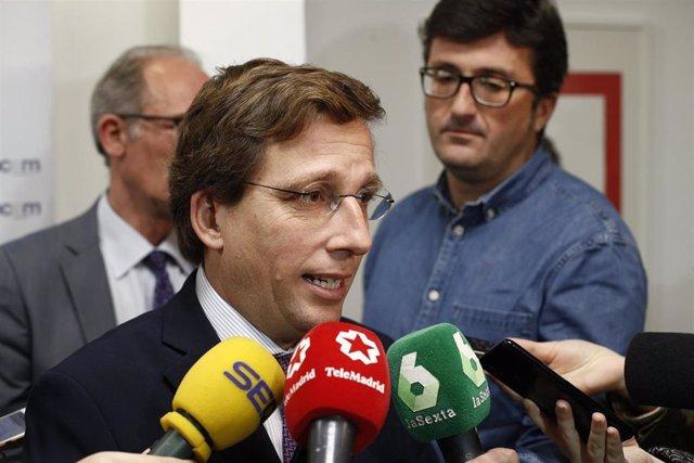 Reunión del candidato del PP a la Alcaldía de Madrid, José Luis Martínez-Almeida, con la Confederacion del Comercio Especializado de Madrid