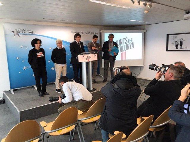 """Puigdemont presenta la seva candidatura a les europees oferint """"unitat"""" al soberanisme"""