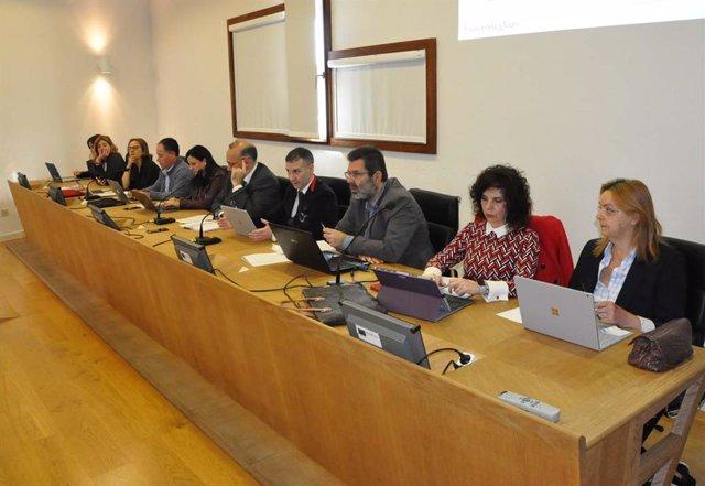 La Universidad Vigo se convierte en la primera de España en aprobar una medida para paliar la 'brecha de cuidados'