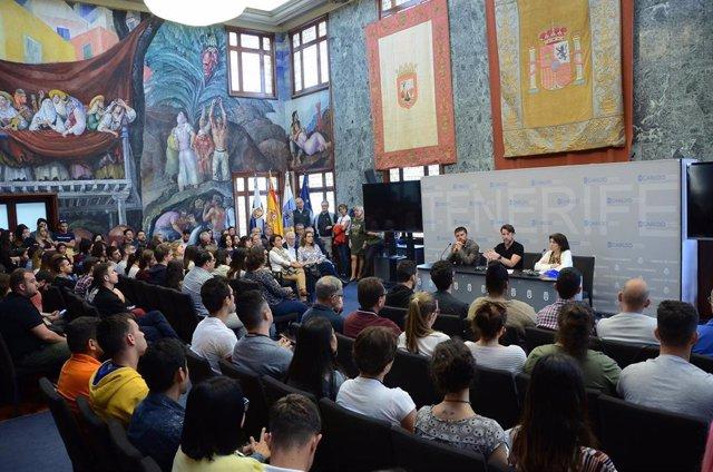 Casi 500 estudiantes de la ULL y centros de FP realizan prácticas en el Cabildo de Tenerife