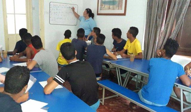 Consejo.- Renovadas de emergencia 500 plazas de atención inmediata para menores extranjeros no acompañados