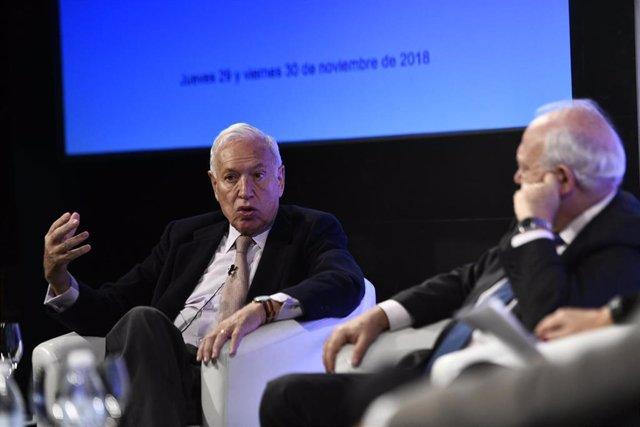 """Celebración del seminario """"Una política exterior para el XXI"""" en la Casa América de Madrid"""