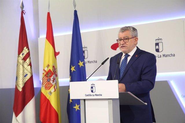Felpeto pide no hacer uso política y sindical del presunto caso de acoso sexual de un alumno a dos profesoras de Cuenca