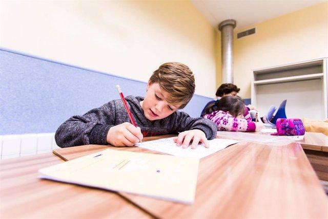 Los alumnos con familias más controladoras presentan peores resultados escolares