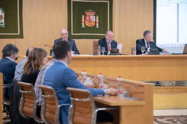 Sevilla.-La Diputación aprueba la rama supramunicipal del Supera 7 con  8,8 millones para carreteras y 3,9 para bomberos