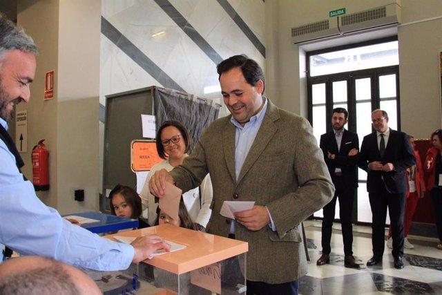 """28A.- Núñez anima a votar porque """"el futuro de España lo escribimos los españoles y hoy es el momento de escribirlo"""""""