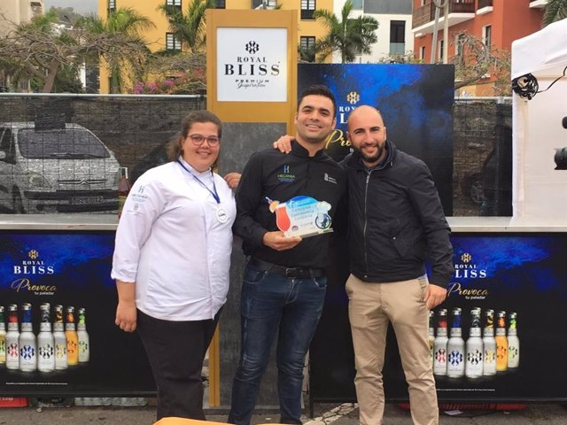 Dos alumnos de Hecansa ganan el concurso Maridaje, Coctelería y Cocina de Canarias 2019