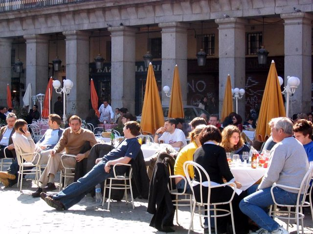 Madrid, Sevilla y Valencia, los destinos más buscados en Google por los españoles, según SEMrush