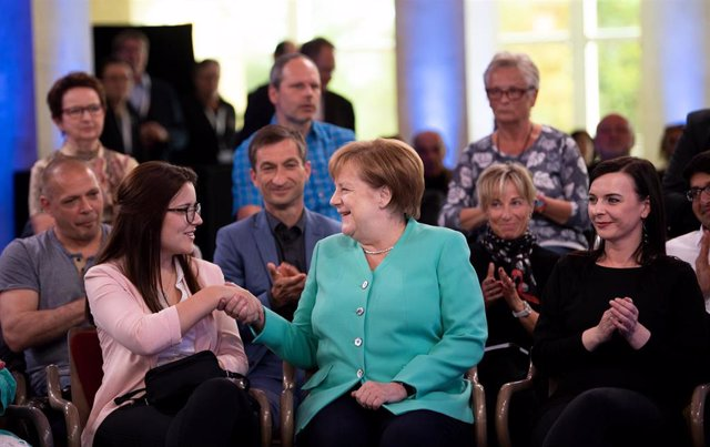 German Chancellor attends a  seminar in Schwedt