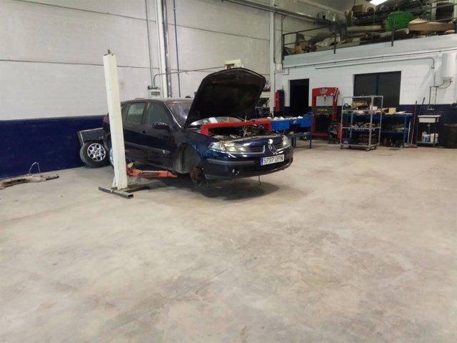 Sevilla.- El PP acusa al hijo del alcalde de La Puebla de Cazalla y edil de reparar su coche en el taller municipal