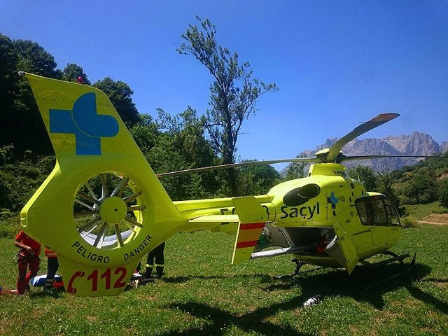 Suc.- Evacuado en helicóptero un hombre tras caerse de una escalera y golpearse en la cabeza en Pobladura (León)