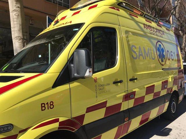 Un conductor agredeix verbalment a dos tècnics per deixar la seva ambulància al carrer durant una emergència a Palma