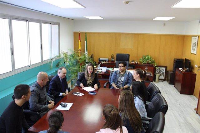 [Grupohuelva] Nota, Fotos Y Audio Junta (Reunión Alumnos Escuela Hostelería Isla