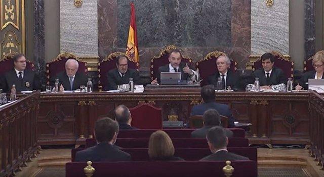 Procés.- Se reanuda el juicio con la declaración de la expresidenta de la AMI y testigos de las defensas