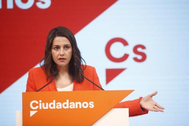 VÍDEO: Arrimadas rebutja un pacte per a la investidura de Sánchez, al que ja veu governant amb Podem i nacionalistes