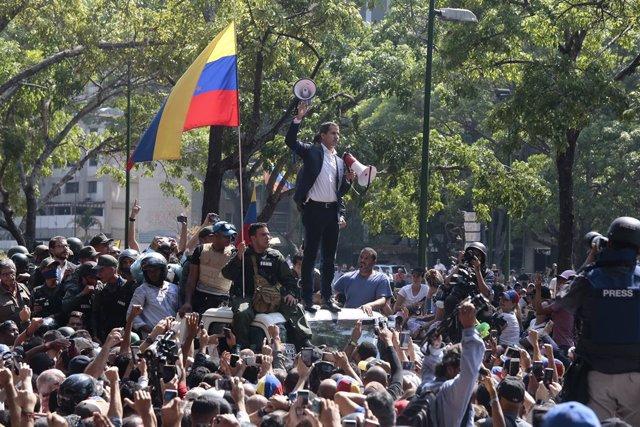 """Venezuela.- El ministro de Defensa se muestra dispuesto a """"usar las armas"""" y culpa a Guaidó de posibles víctimas"""