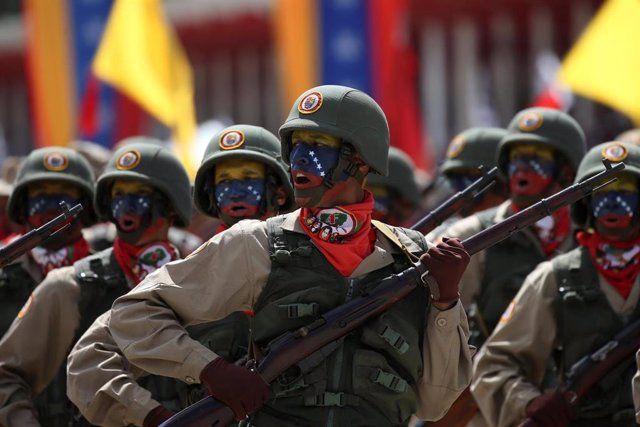 """Diosdado Cabello asegura desde unas maniobras militares que Venezuela está preparada para """"dar la batalla por la paz"""""""