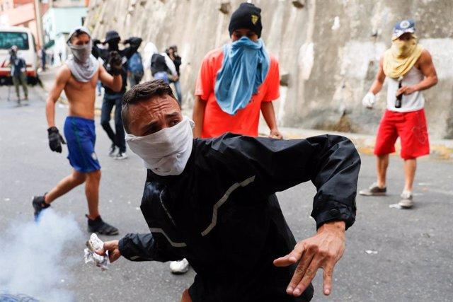 Expertos de la ONU piden una investigación independiente sobre las muertes en las protestas contra Maduro
