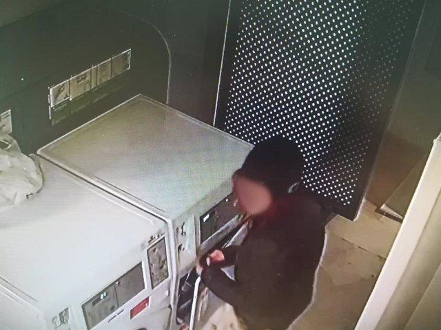 Sucesos.- Detienen a dos personas como presuntos autores de hasta 14 robos con fuerza en lavadoras y secadoras