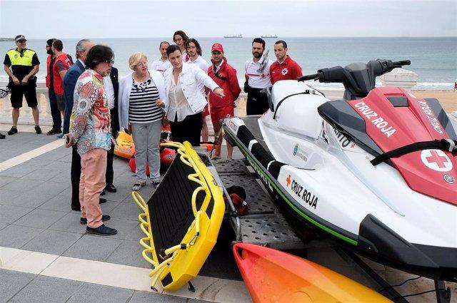 Santander.- Cruz Roja volverá a prestar el servicio de salvamento en las playas este verano