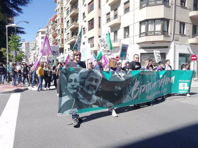 """1 De Mayo.- ELA Y LAB Celebran Sendas Manifestaciones En Pamplona Para Reclamar """"Dignidad"""" Para Los Trabajadores"""