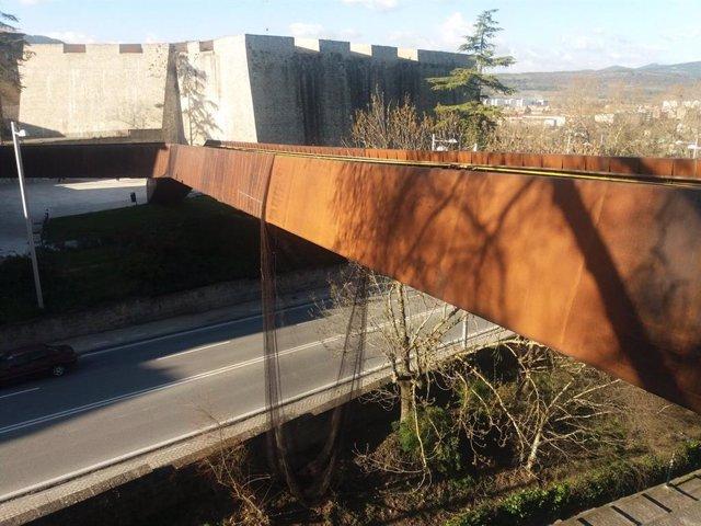 """El Ayuntamiento de Pamplona reclama casi 800.000 euros por la """"situación de ruina"""" de la pasarela del Labrit"""
