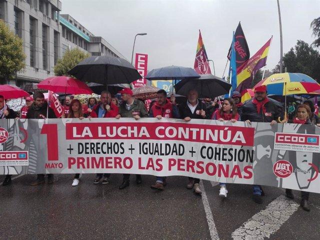 1 De Mayo.- Multitudinaria Manifestación En Mieres Bajo El Lema 'Primero Las Personas'