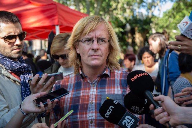 Manifestación de la plataforma Alcem-nos con más de 25 organizaciones en Barcelona