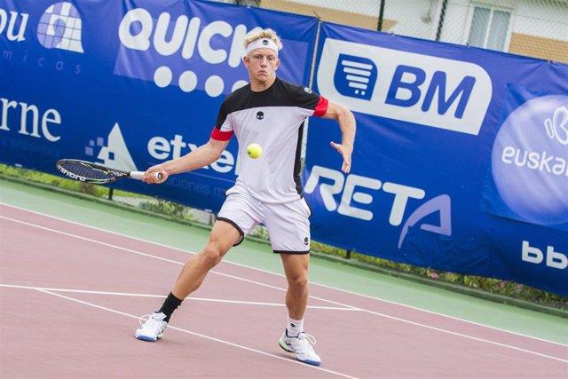 CORR.- Tenis.- Davidovich firma su primer triunfo ATP en Estoril y Carreño se despide
