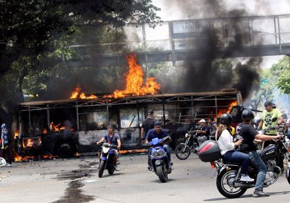 Enfrentamientos entre la GNB y manifestantes marcan una nueva jornada de protestas en Venezuela