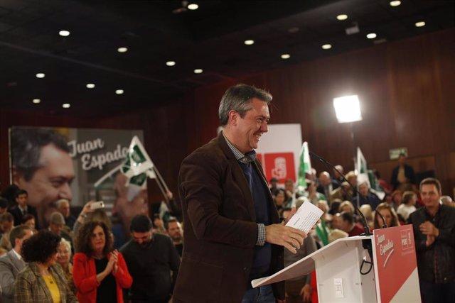 El presidente del Gobierno, Pedro Sánchez, y la secretaria general del PSOE-A, Susana Díaz, intervienen en el acto de presentación  Juan Espadas