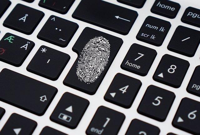 Los españoles ya confían por igual en los PIN y las contraseñas que en la autenticación biométrica, según Nuance