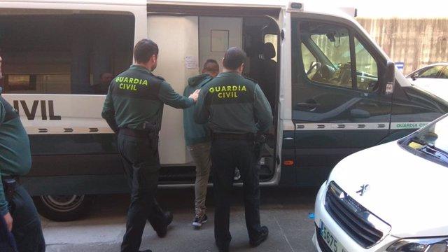 Detenido un vecino de Poio (Pontevedra) por atracar con un cuchillo a una repartidora de pan y a un ciclista