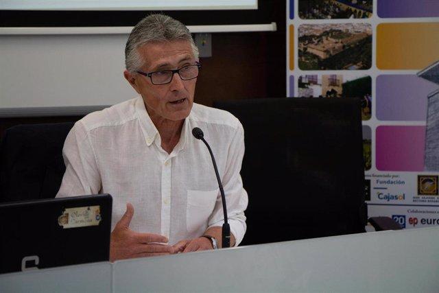 Sevilla.- La relación entre el periodismo y la política, a estudio en los Cursos de Verano de Olavide en Carmona