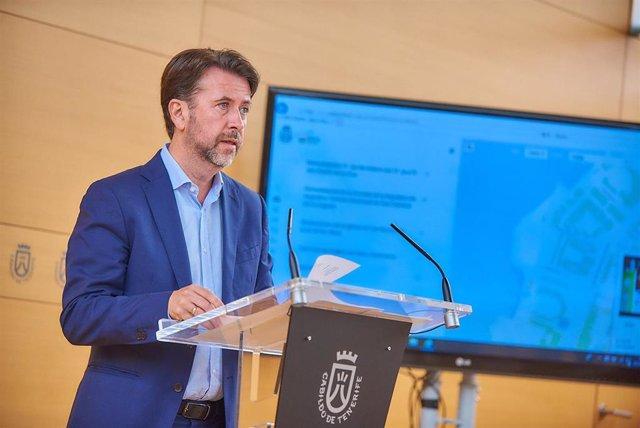 """Alonso defiende un """"equilibrio"""" turístico entre """"calidad, diversificación"""" del origen y """"más gasto"""" en cada isla"""