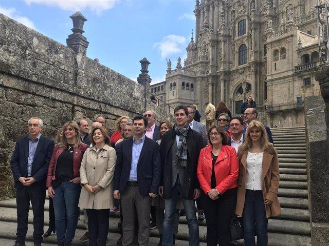 """PSdeG insta a Feijóo a """"enfrentarse"""" con Vox y avisa de que con los resultados del 28A ésta fuerza entraría en Galicia"""