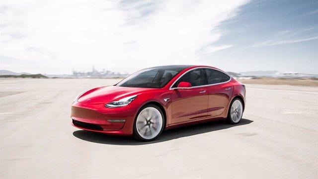 Las matriculaciones de vehículos eléctricos se duplican en el primer trimestre, hasta 3.296 unidades