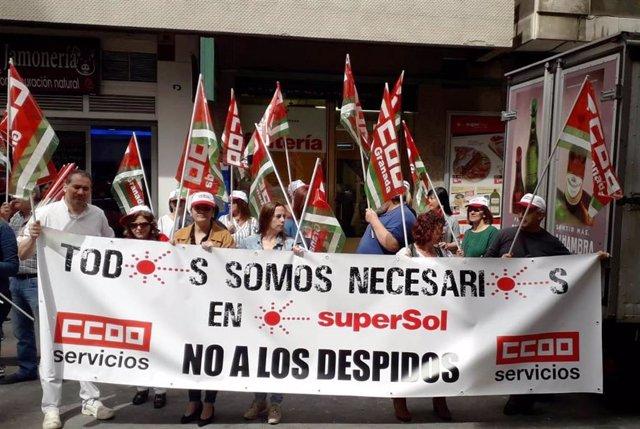 Sindicatos organizan concentraciones en varias provincias andaluzas contra el ERE de Supersol